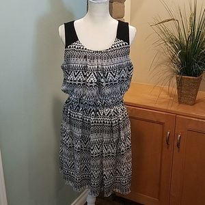 Black and White Dress, size XL
